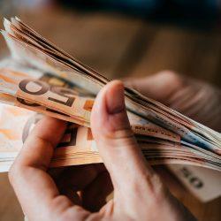 14 formas de invertir dinero para obtener ingresos pasivos sin riesgo (Ejemplos)